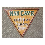 man-cave-skylt-enter-at-your-own-risk-1